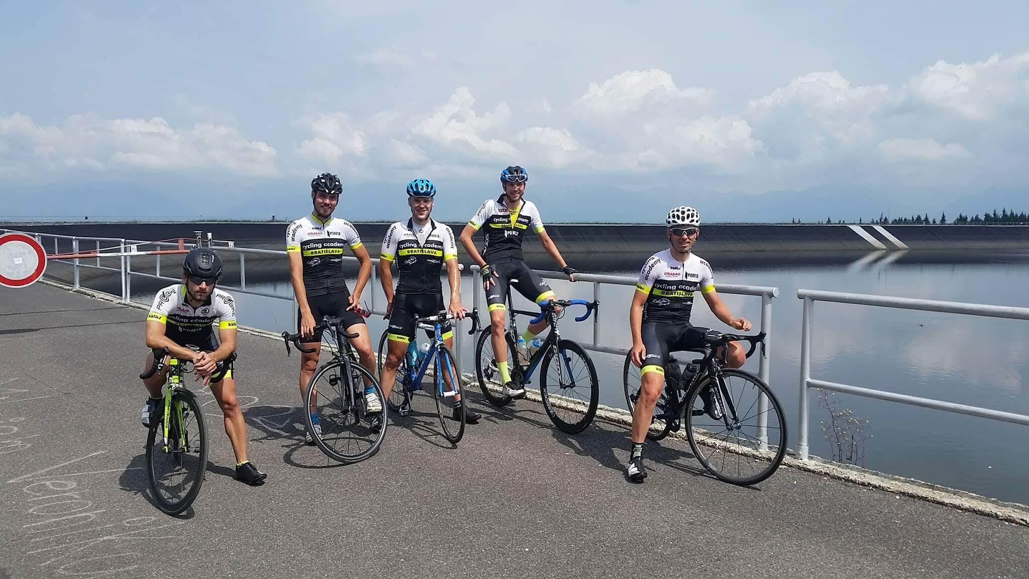 cyklosvet-sustredenie-cierny-vah
